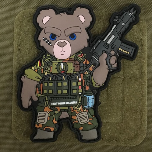 TACTICAL TEDDY by HIWEZ - GERMAN EDITION KSK PATCH Flecktarn with G36