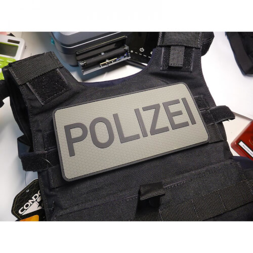 JTG Rückenschild Polizei Patch, steingrau-oliv / 3D Rubber Patch