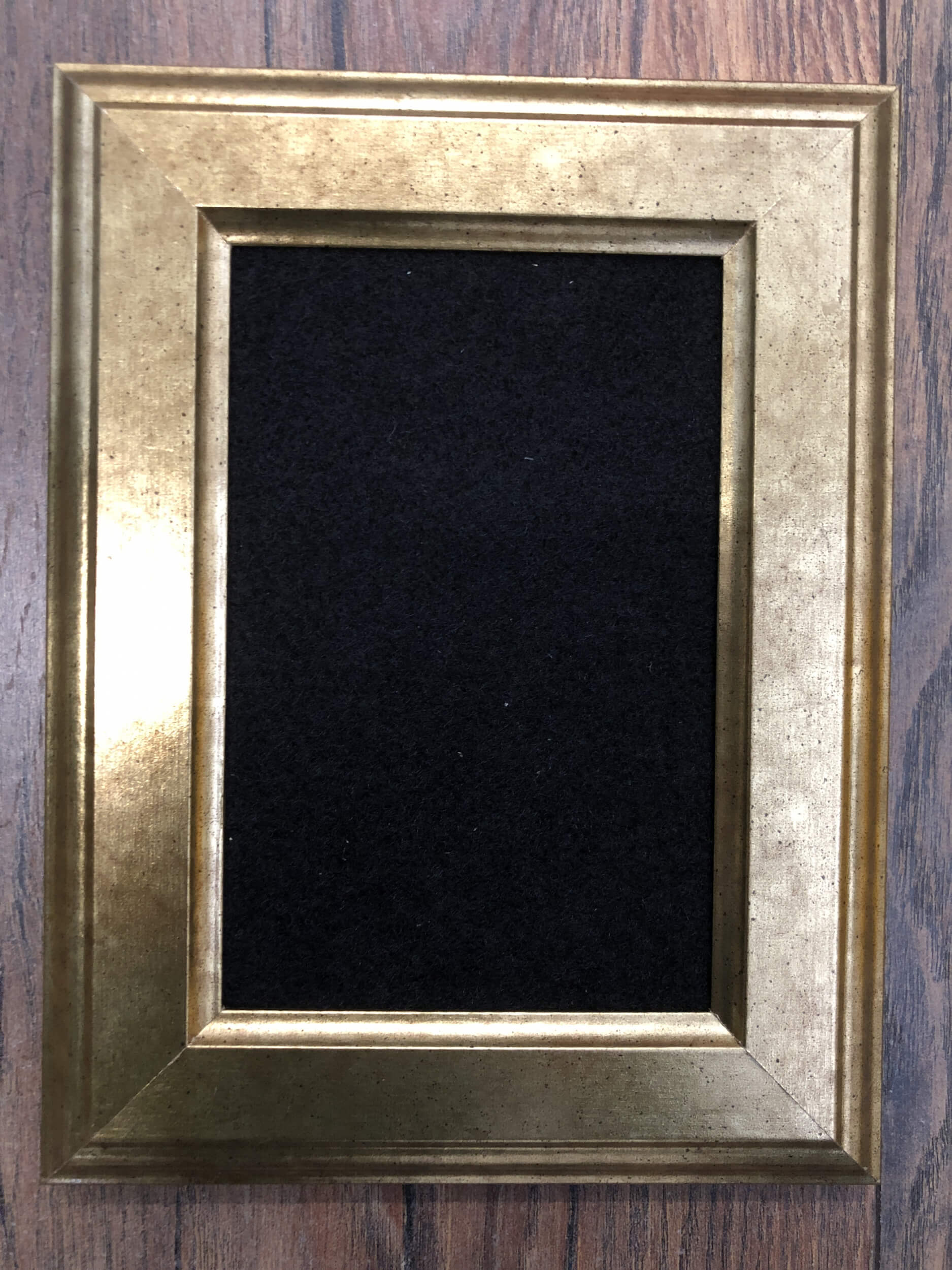 VIRSEPATCH frame with velour fabric for patches, gold coloured